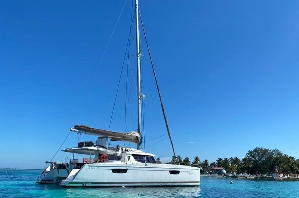 Sailing in Belize - Belize Sailing Vacations
